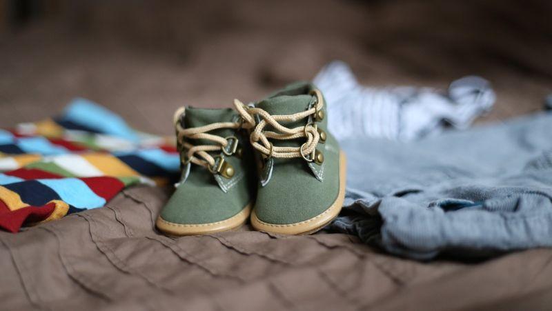 چگونه لباس مناسبی برای کودک خریداری کنیم؟