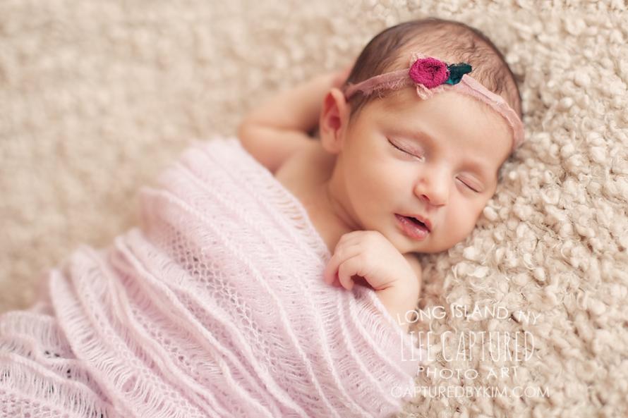 آیا قنداق کردن نوزاد درست است؟