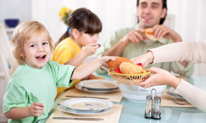 روش هایی که کودک شما بهتر غذا بخورد بخش سوم