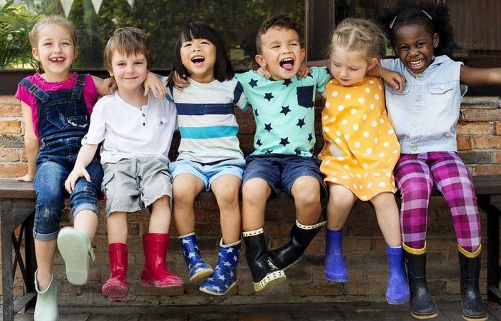 راهنمای رنگ لباس کودک